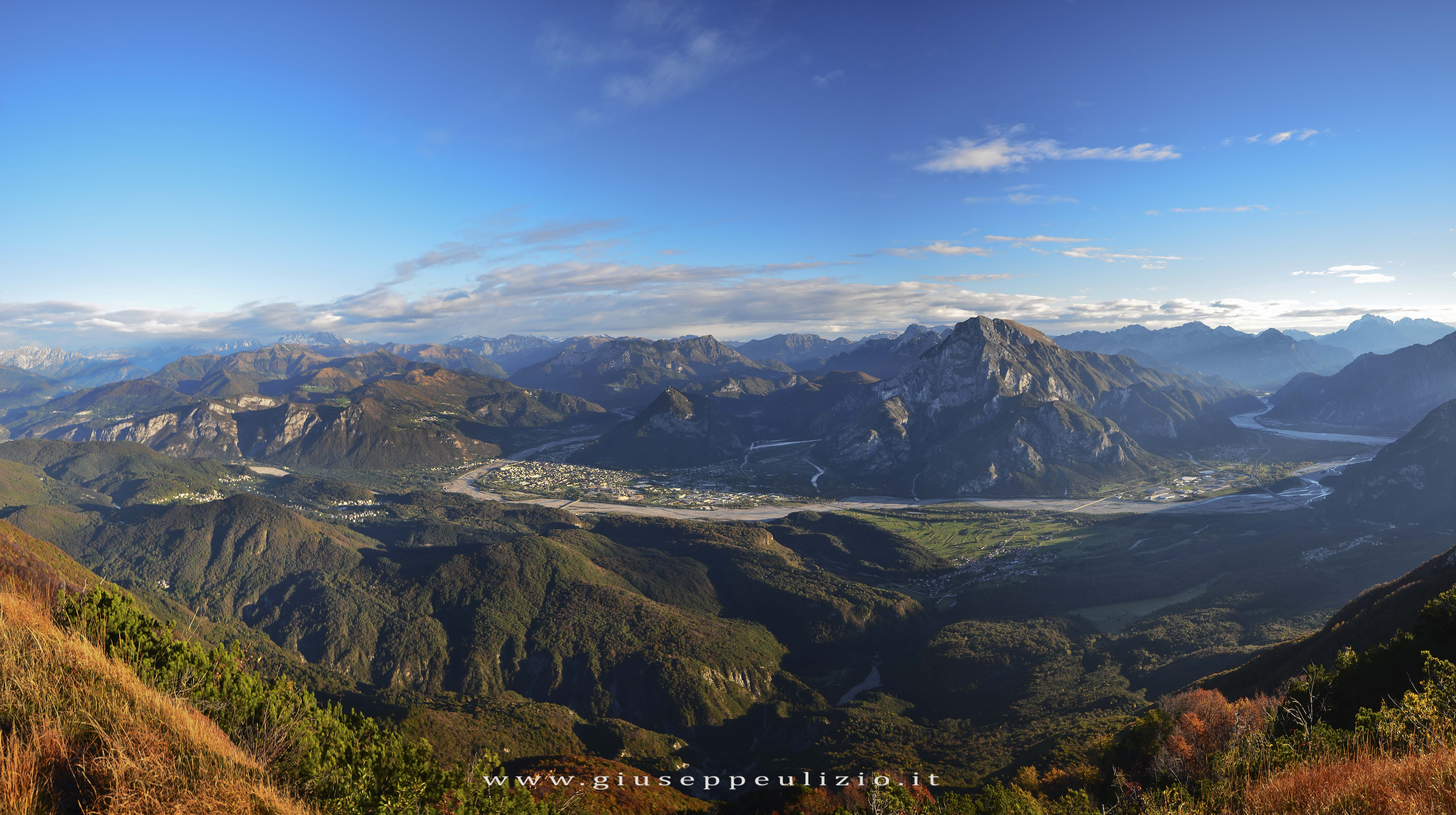 panoramica conca tolmezzina dal picjat.jpg
